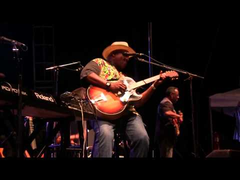 "Taj Mahal - ""Done Changed My Way Of Living"" - Rhythm & Roots 2013"