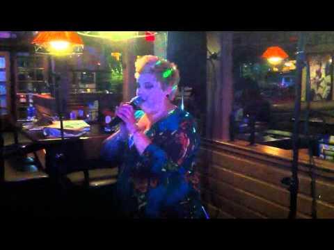 Karaoke at 13 and 71 Applebee's