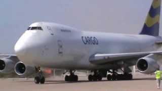 Самолет избежал аварии