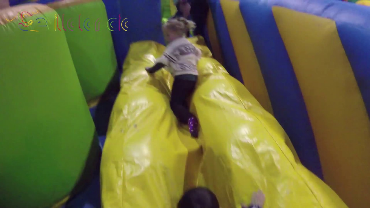 Circuito Wipeout : Super wipeout sevillalandia youtube