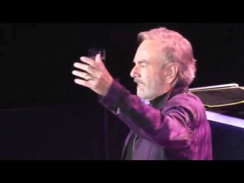 Neil Diamond Sweet Caroline 2017