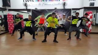 Mobe by Enrique Gil - Zumba dancefitness with ZcatsCrew.