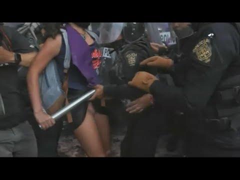 Le toca la entrepierna: Policía de la CDMX abusa sexualmente de feminista en marcha