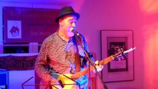 """John Watts (of Fischer-Z) """"Berlin"""" live 2017 @ Red Carpet Stage, Freiburg"""