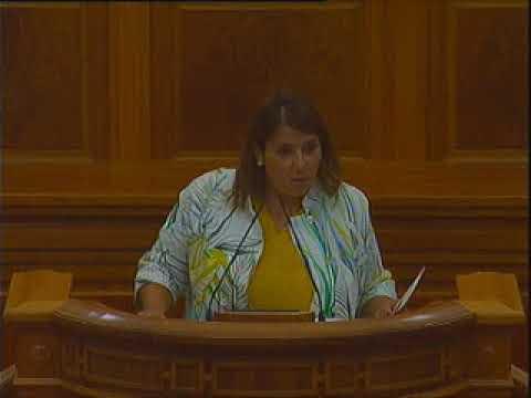 El PP abandona las Cortes durante la intervención de la consejera de Fomento