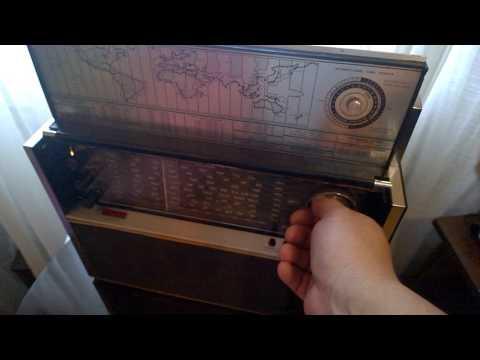 VINTAGE WARD'S AIRLINE MULTI BAND AM FM SHORTWAVE RADIO MODEL GEN 1484 A