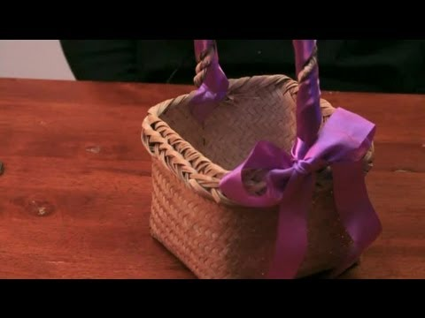 How To Decorate Baskets With Satin Ribbon For An Engagement Diy Crafts