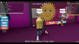 PLAYING GUESS THE EMOJI IN ROBLOX !!