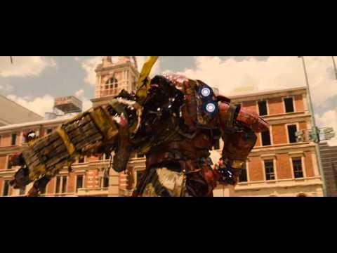 pelea de hulk vs hulkbuster los vengadores era de ultron