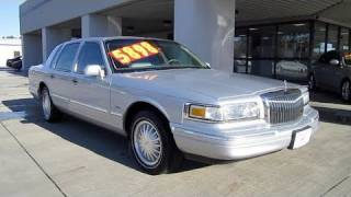 1997 Lincoln Town Car Cartier Start Up, Engine, and In Depth Tour