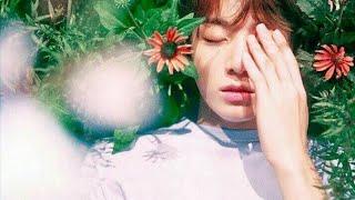Cứ ngỡ Jungkook (BTS) đẹp trai lắm rồi, ai mà ngờ bố mẹ Jungkook còn nổi bật hơn