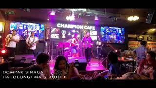 Haholongi ma si Doli i (Live) - Dompak Sinaga
