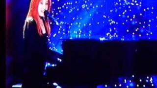 Tori Amos ''A Silent Night With You'' Live UK TV
