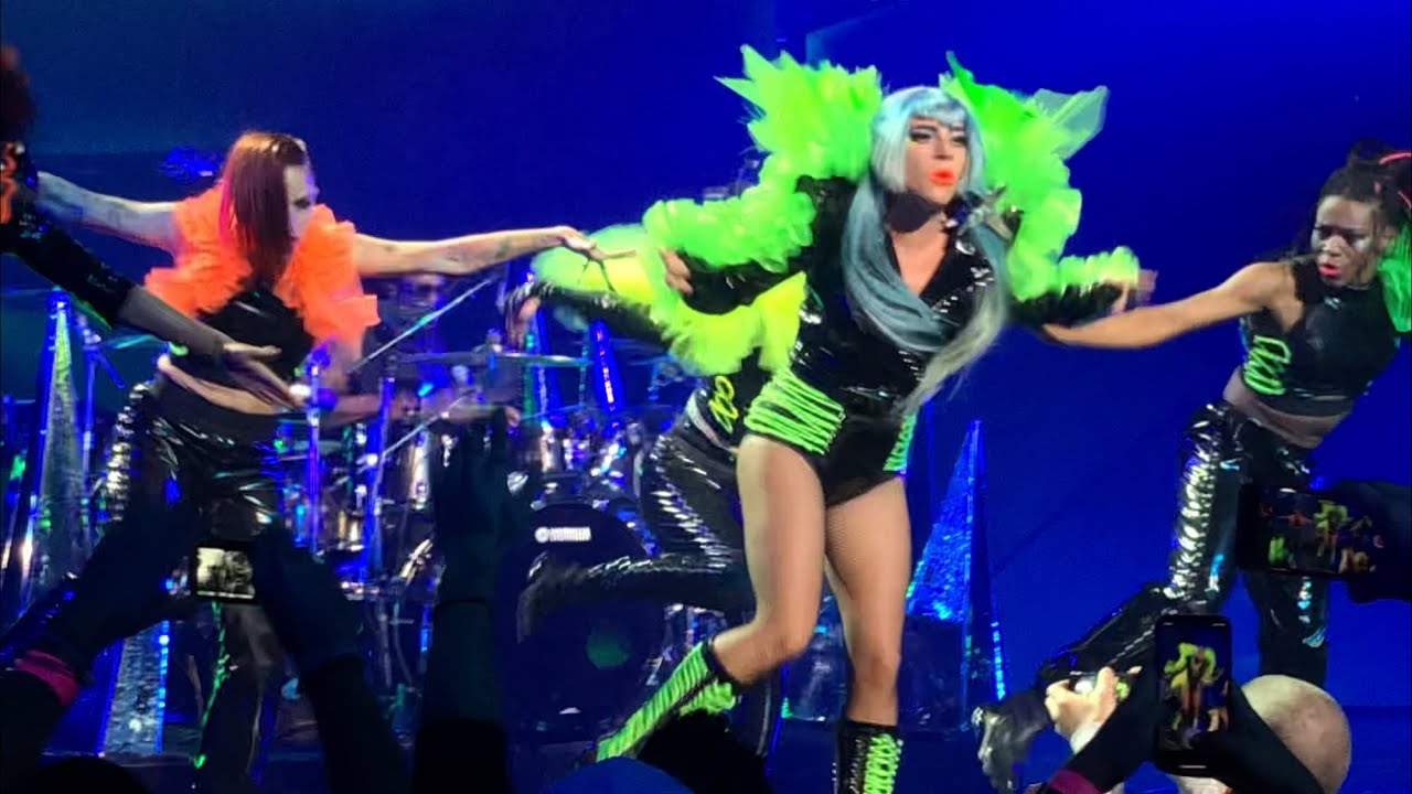 Lady Gaga covers David Bowie and Nine Inch Nails at Las Vegas