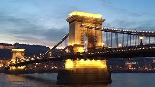 【ブダペスト】 セーチェーニ鎖橋のライトアップ (1)