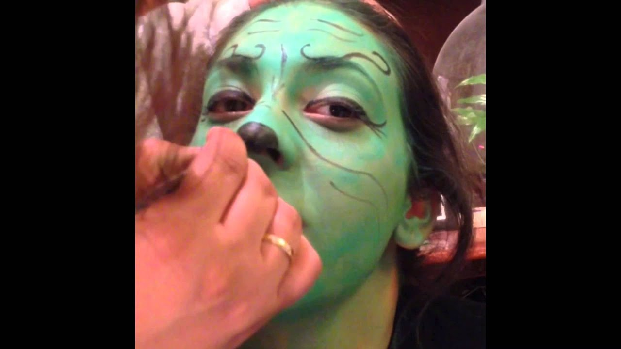 Maquillaje El Grinch con @Deyms Carnaval 2015 - YouTube