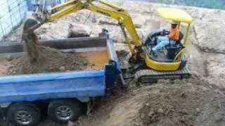 Repeat youtube video komatsu PC35MR-2 コマツ