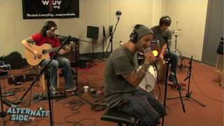 "One eskimO - ""Amazing"" (Live at WFUV)"