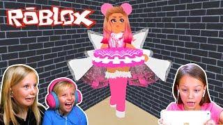 Николь и Вика играют в прятки в школе Фей / Roblox Royal high / Hide and seek