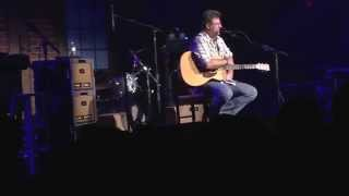 Vince Gill tells a great story at The Birchmere May 7, 2015