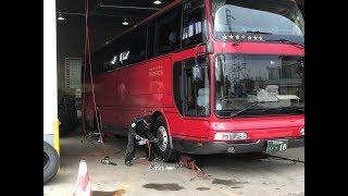 【大型バス所有記】バスのタイヤ交換!新品のスタッドレスタイヤに組み換え!ダブルタイヤの内側!?【エアロクイーンⅢ】