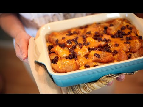 How to Make Capirotada (Mexican Bread Pudding) | Receta de Cuaresma | Muy Bueno