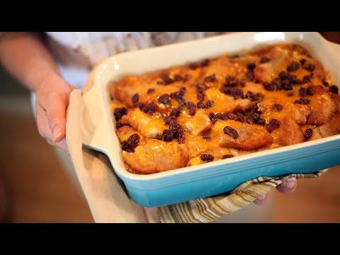 How to Make Capirotada (Mexican Bread Pudding) | Receta de Cuaresma | Muy Bueno