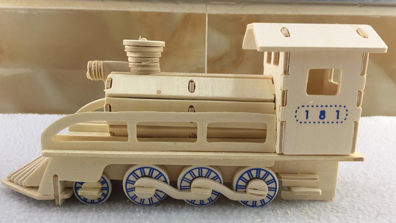 Diy Miniature Locomotive 3d Wood Craft Construction Kit