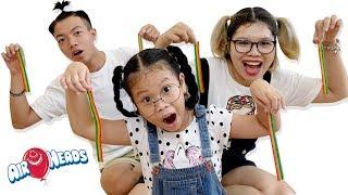 Trò Chơi Bố Chia Kẹo Airheads ❤Susi kids TV❤