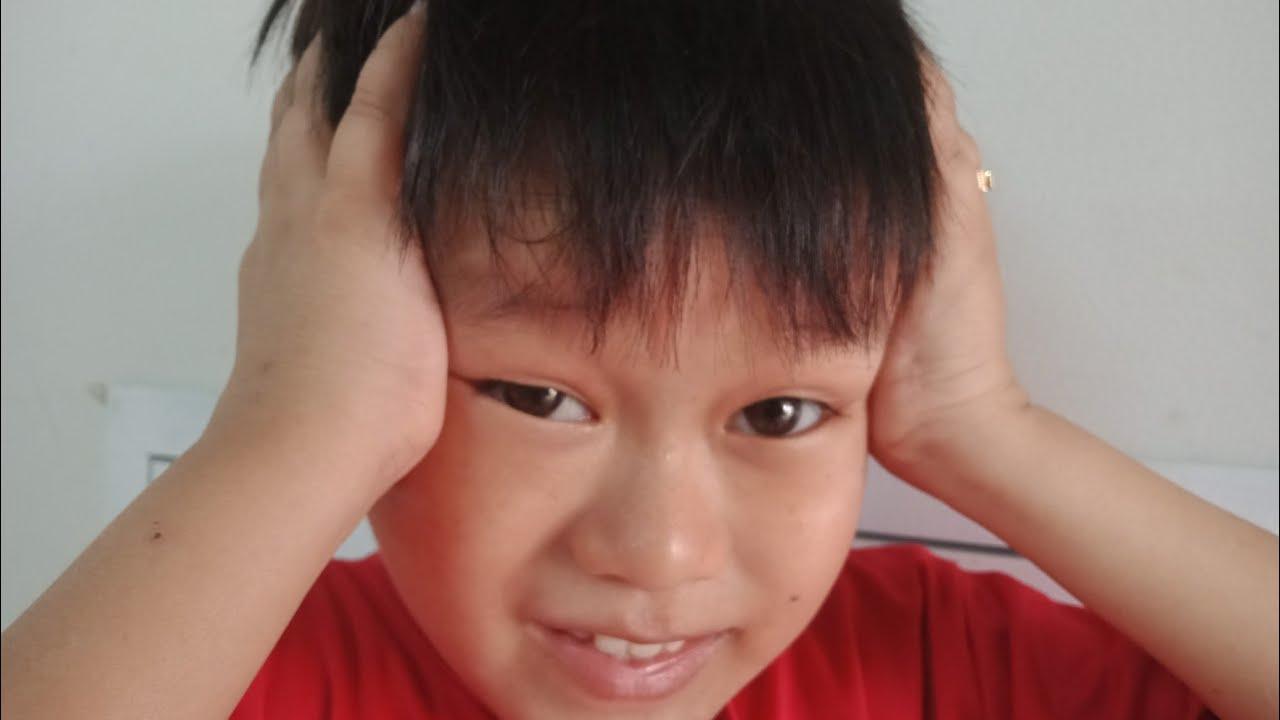Đầu của Huy Tí Hon nhỏ nên làm Youtube không giỏi bằng chị Út Mini ?