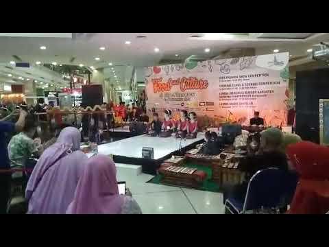 Penampilan Anak2 SMP Negeri 2 Sumberpucung Di Cito Surabaya