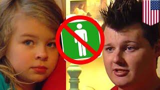 Ayah dihajar karena membawa putrinya ke WC pria - Tomonews