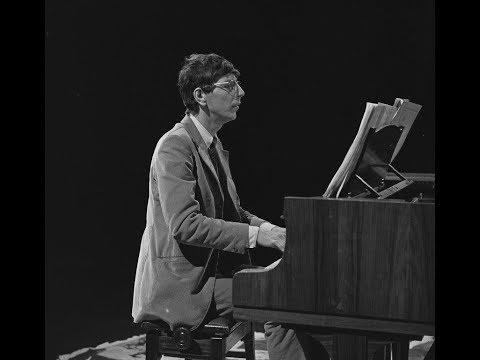 Reinbert de Leeuw plays Erik Satie -- live 1982