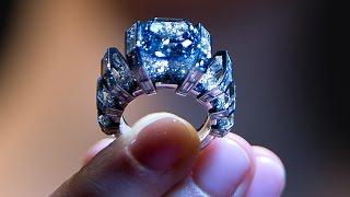 Голубой бриллиант и колье жены Петра I выставят на аукцион (новости)