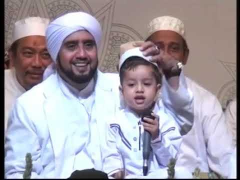 Yarabbi bil mustafa baligmaka sidana kasida burda beautiful recited by 3year baby