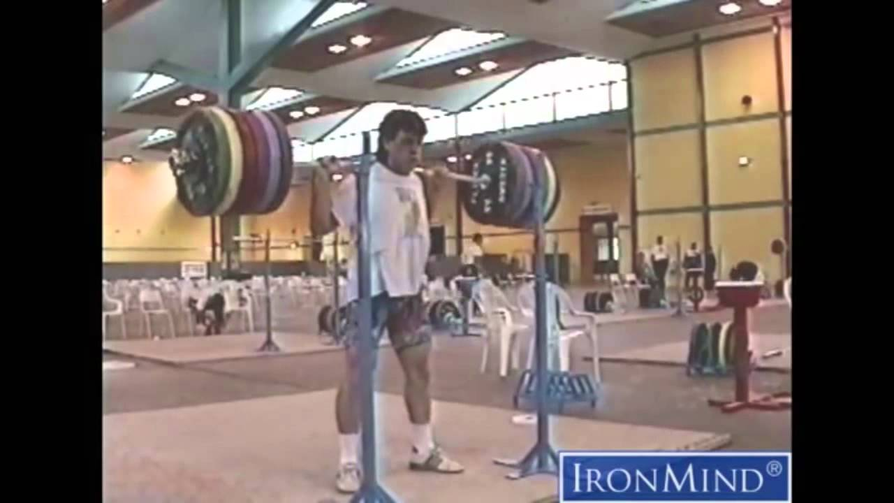 1177c659f7e2 Olympic Squats vs Powerlifting Squats - YouTube