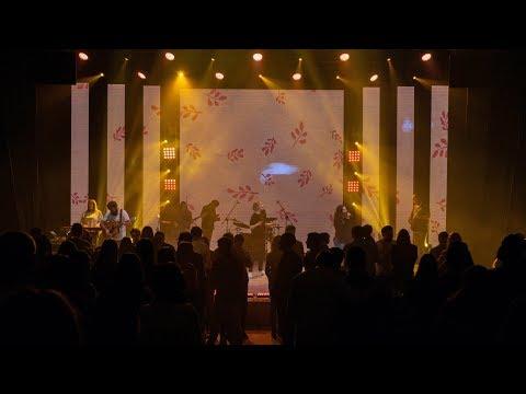 Прикосновение небес + Всем сердцем - Touch Of Heaven | LIVE