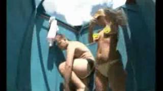 Голые и смешные   Скрытая камера в раздевалке    Видео dea9878506edf849d6e64c56bfdce6611(, 2011-08-11T19:04:25.000Z)