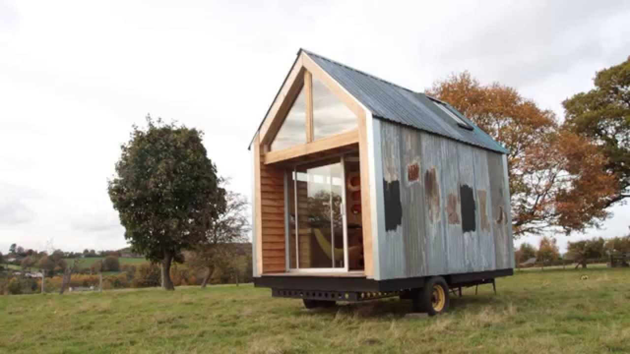 Couple Fed Up With House Prices Build Own Home Out Of Recycled Materials For 1k Youtube