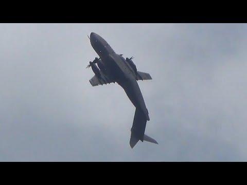 Airbus A400M pulls off incredible loop