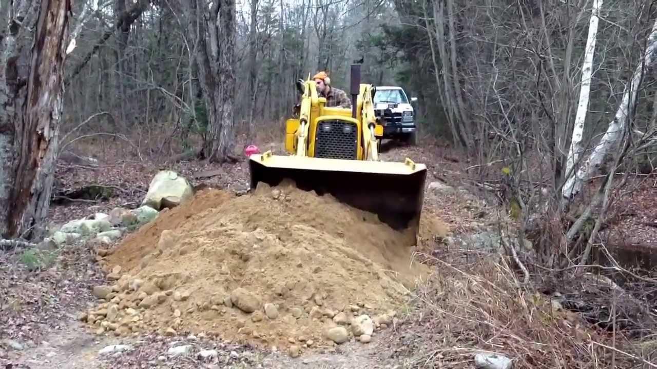 1962 John Deere 1010 : John deere crawler moving some gravel youtube