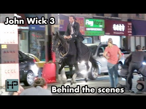 'John Wick 3'    Keanu Reeves Goes Horseback Through The Streets of NY