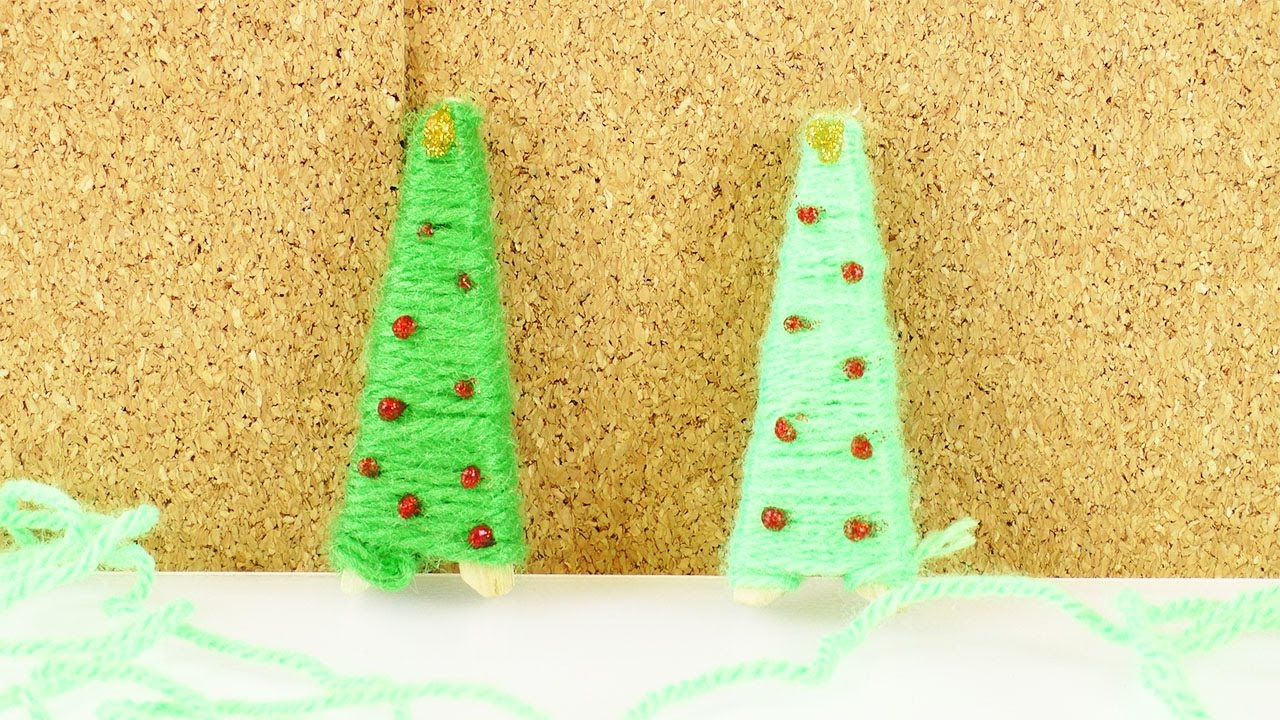 mini weihnachtsbaum selber basteln tannenbaum aus wolle als deko oder zum verschenken diy. Black Bedroom Furniture Sets. Home Design Ideas