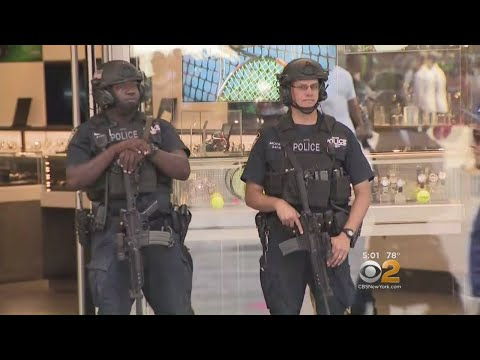NYPD Steps Up Times Square Security In Wake Of Barcelona