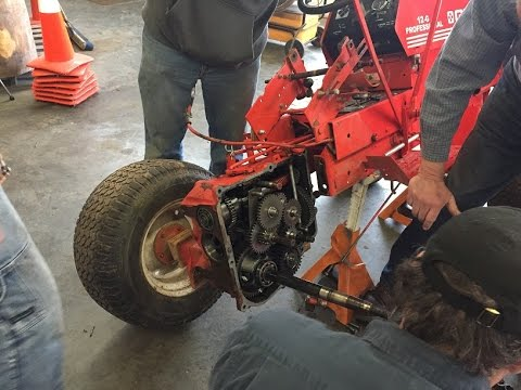 Gravely Rider PTO Clutch Replacement 2016 Blow In - 800 8000 and G Series -  YouTubeYouTube