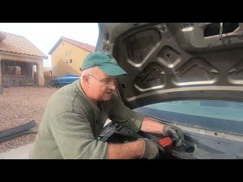 How  to Replace Spark Plugs on a 2004-2007 MERCURY MONTEREY and FORD  FREESTAR VAN