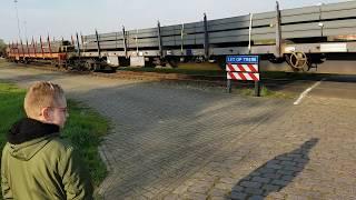 Goederen trein Holtum Born langs de haven aan het Juliana kanaal