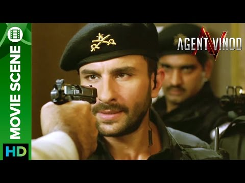 Saif Ali Khan caught on gun point   Agent Vinod