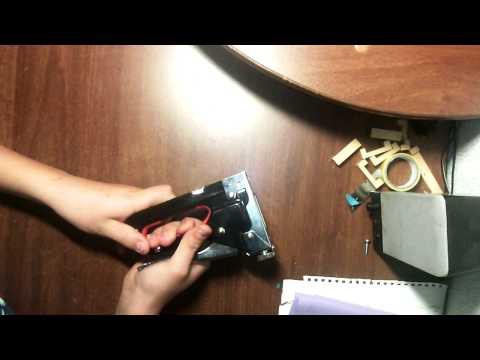 Как заправить строительный степлер
