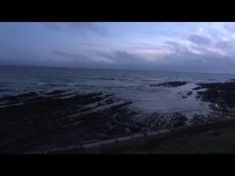 Michael Kiwanuka at Oceanfest - plus a new moon and twilight waves